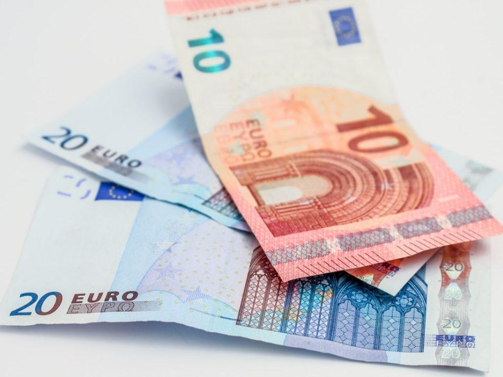 Kurs euro – kogo powinien interesować?
